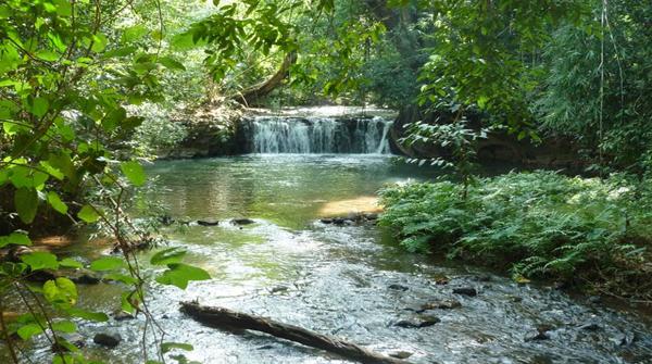 La Ang Khin Waterfall