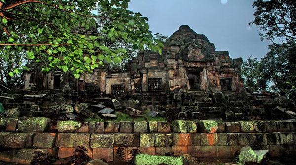 Wat Ek Phnom Temple